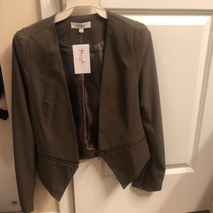 Jackets & Blazers - Olive green blazer with shoulder pads